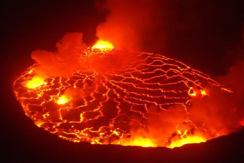 http://www.ecociencia.com/archivos/imagenes/17envio_de_material_cientifico_al_observatorio_volcanico_de_goma_(republica_democratica_de_congo)127.jpg